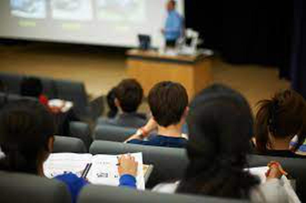 Irish Independent – Students will be back in lecture halls next month, say third-level colleges